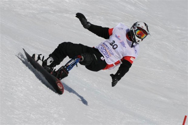 2014 was the first year alpine snowboarding was an event at the Paralympics, adding another exciting sport to the games. Photo credit: whitelines.com