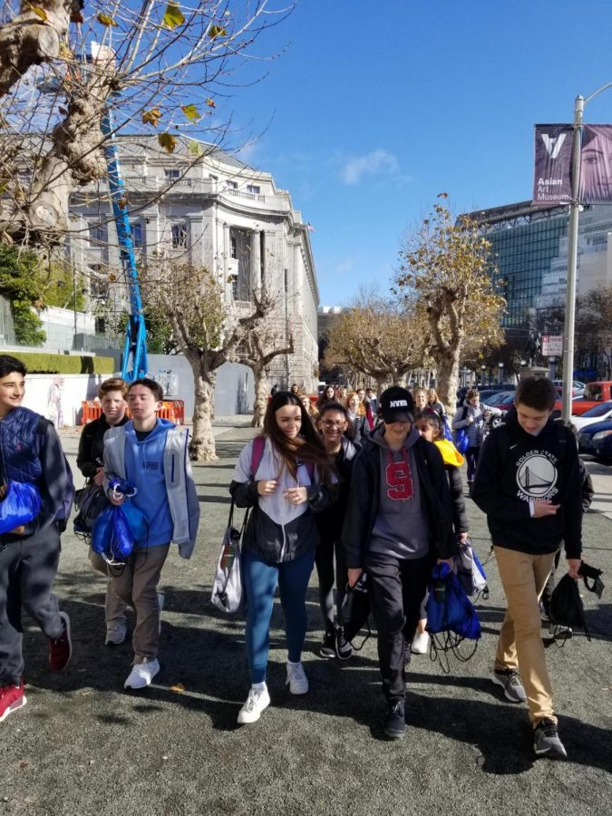 MV+freshmen+walking+around+in+S.F.+handing+out+bags+to+the+homeless.